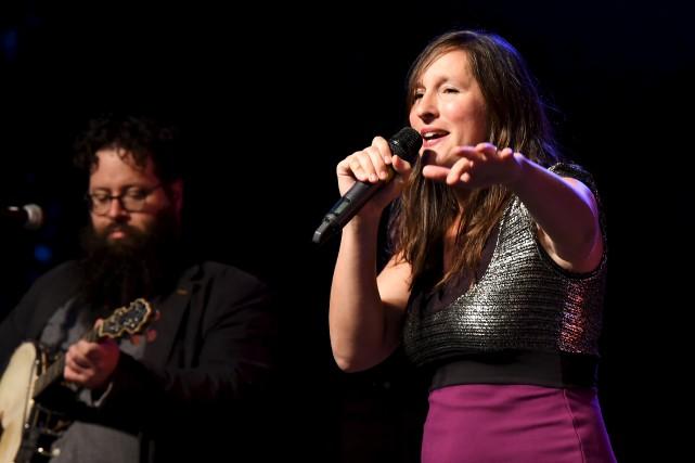 L'énergie déployée par la chanteuse Mélisande, du groupe... (Photo Le Progrès, Rocket Lavoie)