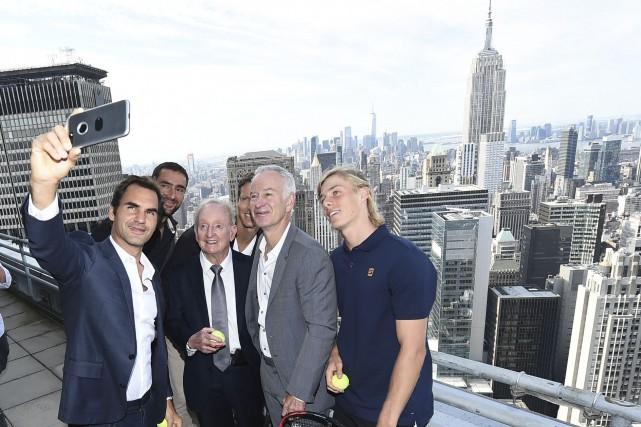Roger Federer a joué au touriste à New... (AFP, Ilya S. Savenok)