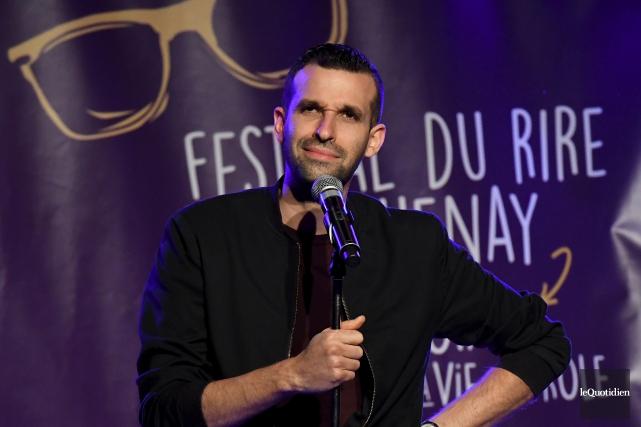 Humoriste invité du «show mystère», Olivier Martineau n'a... (Photo Le Quotidien, Rocket Lavoie)