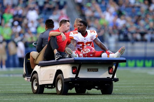 Spencer Wares'est blessé au genou droit, vendredi à... (PHOTO JOHN FROSCHAUER, ASSOCIATED PRESS)