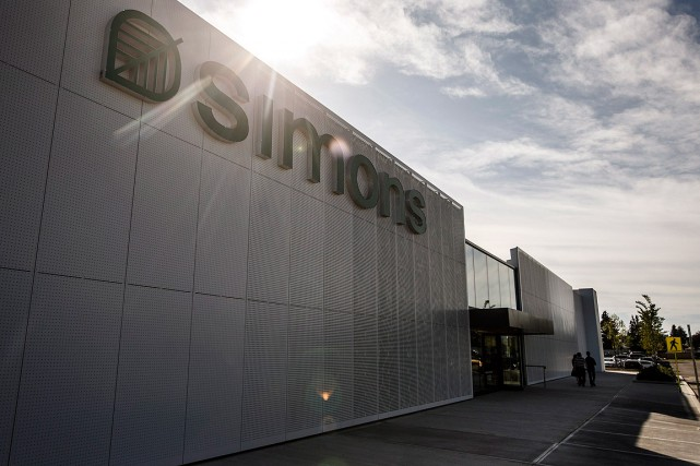 Un second magasin Simons vient d'ouvrir ses portes... (PHOTO JASON FRANSON, LA PRESSE CANADIENNE)