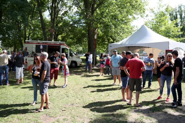 Le premier Rendez-vous Fest se tenait vendredi et... (Julie Catudal)