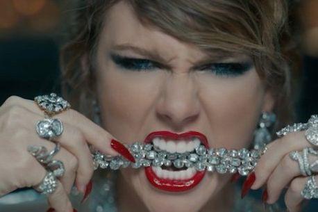 Taylor Swift dans une scène de la vidéo... (IMAGE TIRÉE DE YOUTUBE)