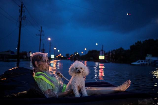 La tempête Harvey a fait au moins trois... (PHOTO REUTERS)