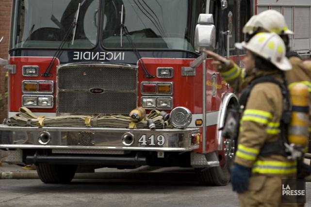 Le cadavre d'une personne a été trouvé tard mardi soir par des pompiers de... (Photo David Boily, Archives La Presse)