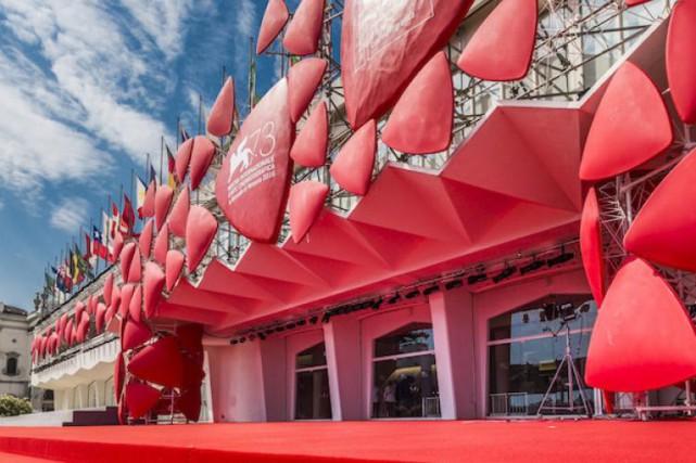 Même s'ils s'arrachent les mêmes productions attendues, les grands festivals... (Photo tirée du site officiel de la Mostra)