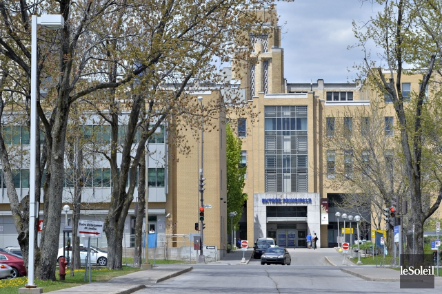 Quatre employés de l'Hôpital de l'Enfant-Jésus ont été... (Photothèque Le Soleil, Pascal Ratthé)