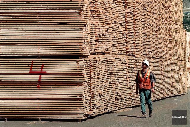 Les livraisons de bois d'oeuvre de l'ensemble du... (Archives, La Voix de l'Est)