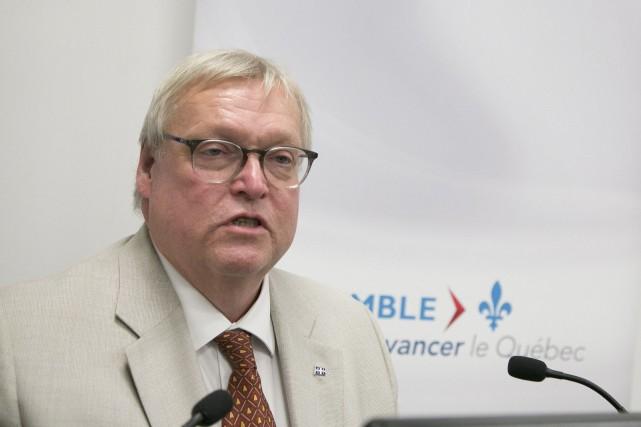 Le ministre de la Santé, Gaétan Barrette... (Spectre Média, René Marquis)