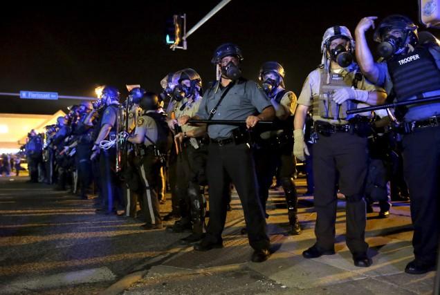 Après les violentes manifestations qui avaient suivi la... (AP, Jeff Roberson)