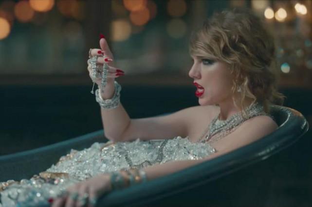 Le nouveau clip de Taylor Swift suscite des... (IMAGE TIRÉE DE LA VIDÉO)