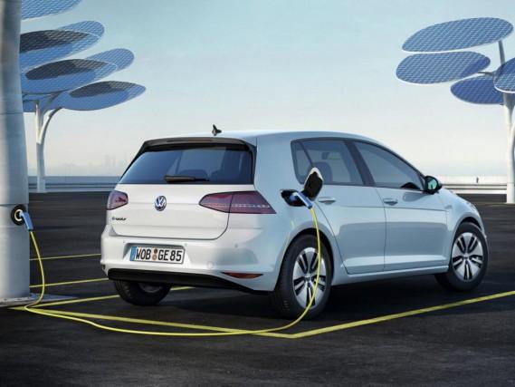 La Volkswagen e-Golf a été lancée à la... (PHOTO : VOLKSWAGEN)