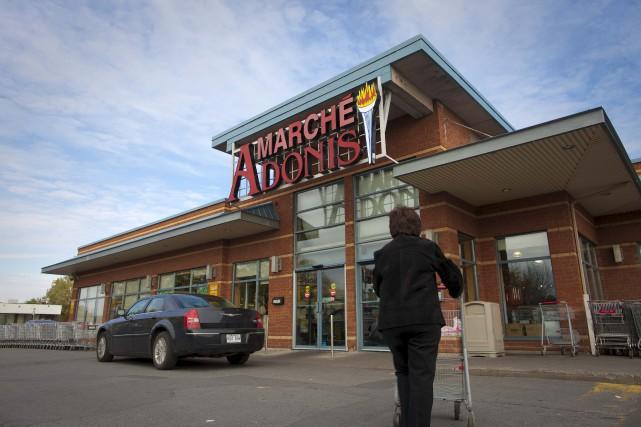 Marché Adonis est une chaîne de supermarchés d'inspiration... (Archives, La Presse)