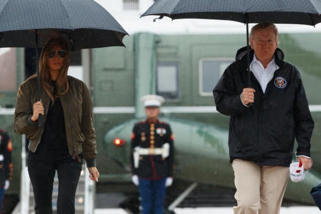 Melania et Donald Trump se sont rendus hier... (Photo Evan Vucci, Associated Press)