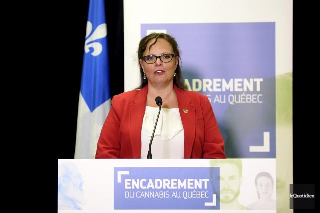 La ministre déléguée à la Réadaptation, à la... (Photo Le Quotidien, Jeannot Lévesque)