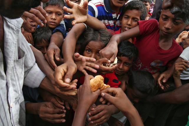 Plus de 400 000 réfugiés rohingyas se trouvent... (AP)