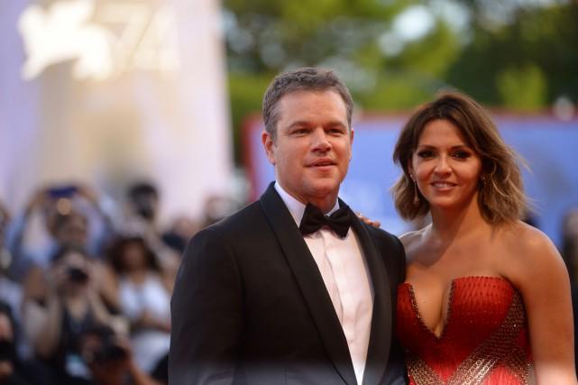 Matt Damon et sa femme Luciana Barroso sur... (PHOTO AFP)