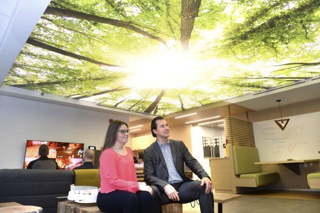 Sonia Villeneuve et Richard Gagné dans la salle... (Le Soleil, Jean-Marie Villeneuve)