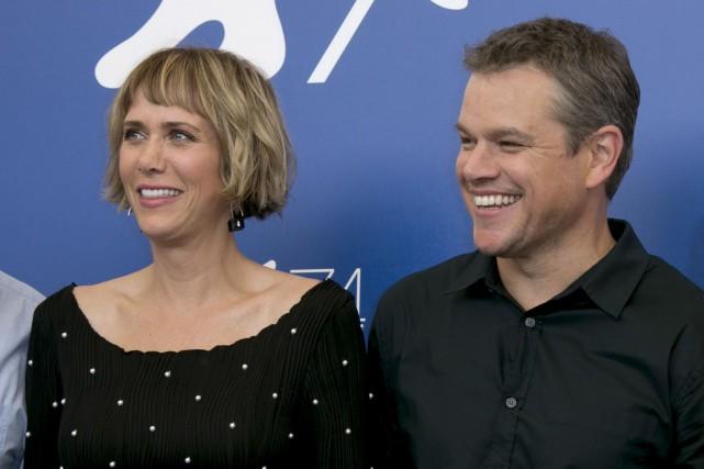 Kristen Wiig et Matt Damon posent pour les... (AP, Joel Ryan)