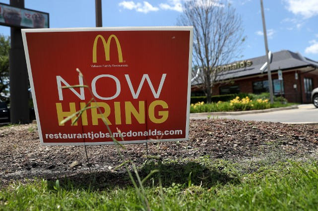 L'économie américaine a créé moins d'emplois le mois... (AFP)