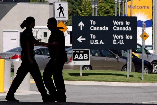 Avec l'afflux de demandeurs d'asile depuis deux mois... (PHOTO DARRYL DYCK, ARCHIVES LA PRESSE CANADIENNE)