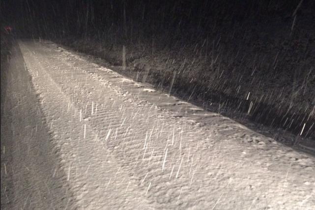 Il a neigé à la frontière entre le... (Photo tirée de Twitter: police de Terre-Neuve)
