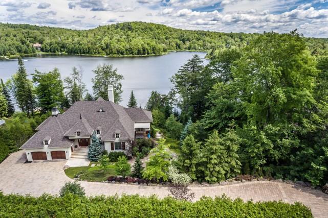 On voit toute l'ampleur de la propriété. La... (Photo fournie par Sotheby's International Realty Québec)