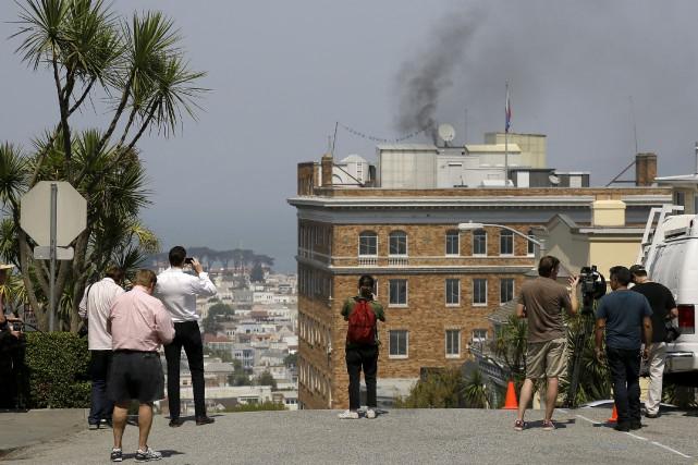 Les pompiers de San Francisco sont intervenus au... (AP, Eric Risberg)