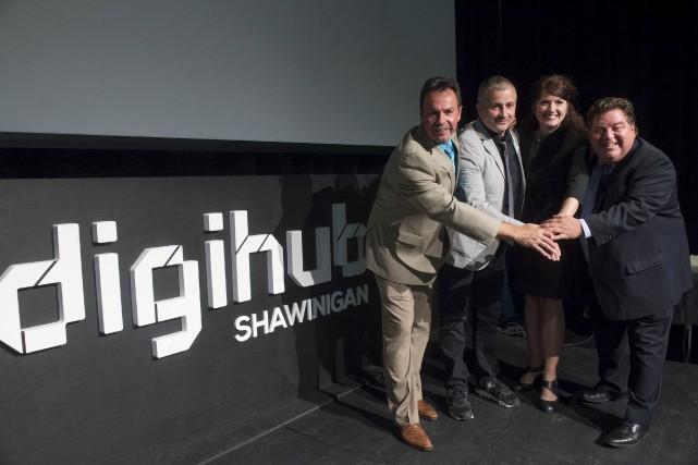 Michel Angers, maire de Shawinigan; Philippe Nadeau, directeur... (Stéphane Lessard)