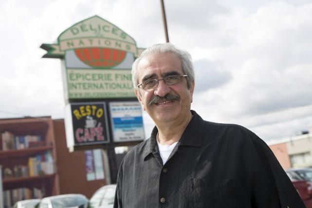 Mohamed Elmir est absolument ravi que son magasin... (Spectre Média, René Marquis)