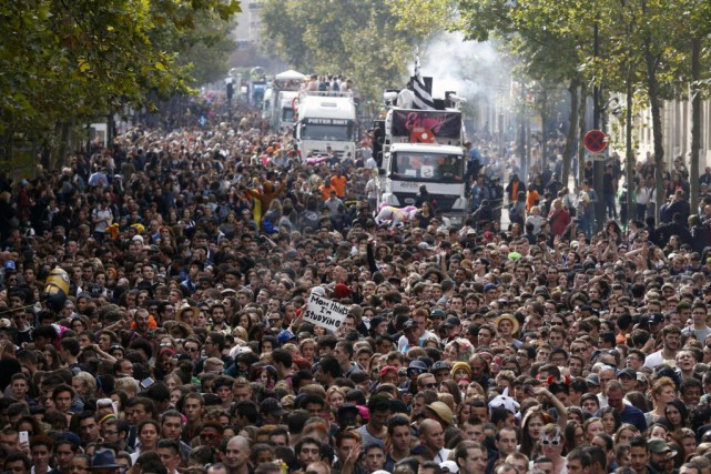 La Techno Parade de Paris est l'un des... (Photo Thomas Samson, archives Agence France-Presse)