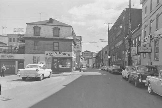 L'intersection de Saint-Vallier et Caron en 1961... (Archives de la Ville de Québec # N004597)