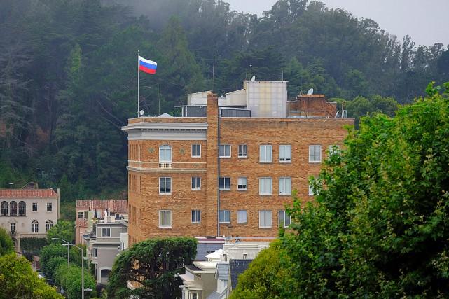 Samedi, les Russes avaient dû évacuer leur consulat... (PHOTO ERIC RISBERG, ARCHIVES ASSOCIATED PRESS)