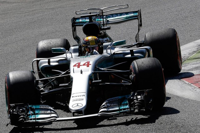 Lewis Hamilton... (PHOTO LUCA BRUNO, ASSOCIATED PRESS)