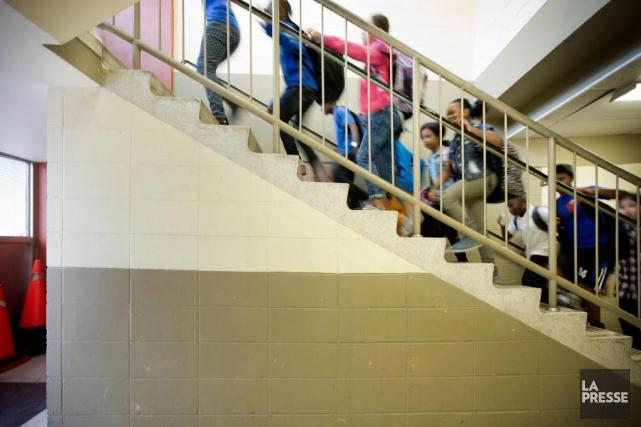 De nombreuses écoles primaires montréalaises manquent d'espace et... (PHOTO MARCO CAMPANOZZI, LA PRESSE)