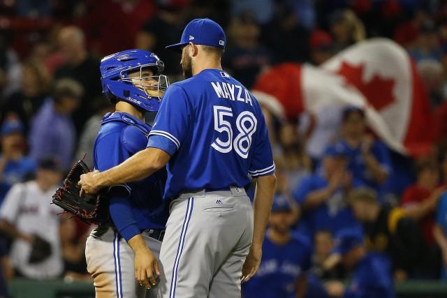 Steve Pearce a obtenu trois des 14 coups sûrs des Blue Jays de Toronto, qui ont... (PHOTO AP)