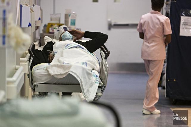 L'incident au cours duquel un homme a violemment agressé une infirmière et une... (PHOTO FRANÇOIS ROY, ARCHIVES LA PRESSE)