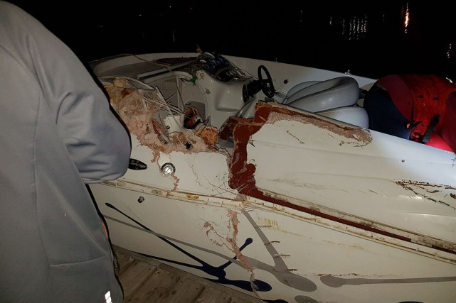 Ce bateau a subi des dommages importants à... (Photo tirée de Facebook)
