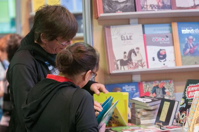 Le Salon du livre du Saguenay-Lac-Saint-Jean fera connaître... (Archives Le Quotidien, Michel Tremblay)