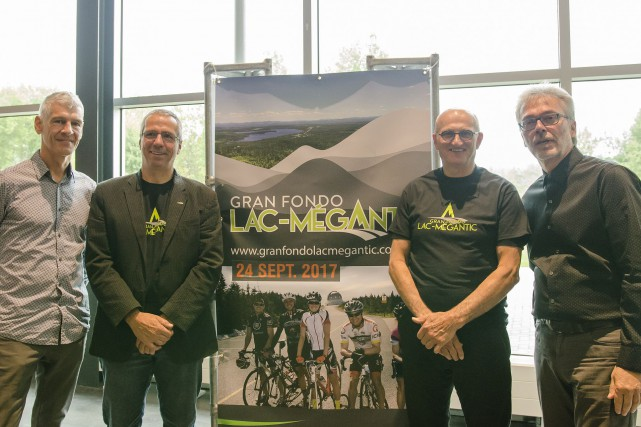 Déjà 350 cyclistes sont inscrits à la quatrième... (Spectre Média, Stéphanie Vallières)
