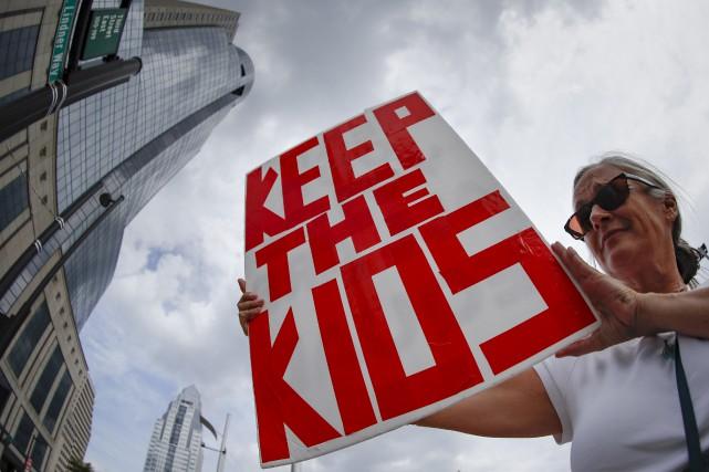 Des manifestations ont eu lieu dans plusieurs villes... (AP, John Minchillo)
