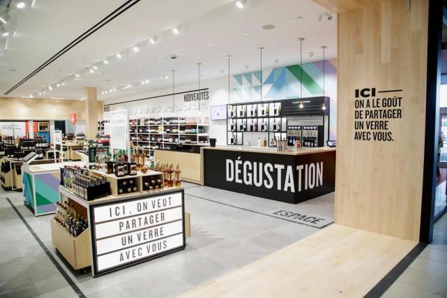 La SAQ ouvre aujourd'hui au Carrefour Laval un... (PHOTO ALAIN ROBERGE, LA PRESSE)