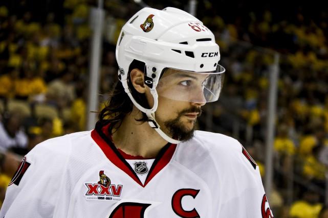 Erik Karlssona été opéré pour réparer des tendons... (Archives, Associated Press)