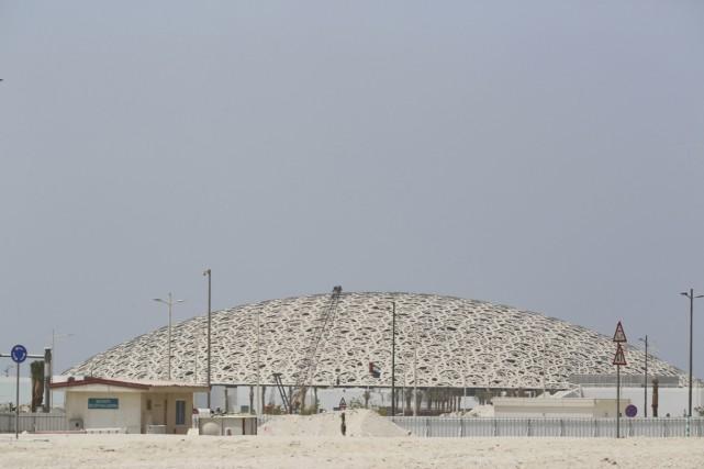 Dix ans après le lancement du projet, le Louvre Abou Dhabi ouvrira ses portes... (PHOTO AP)