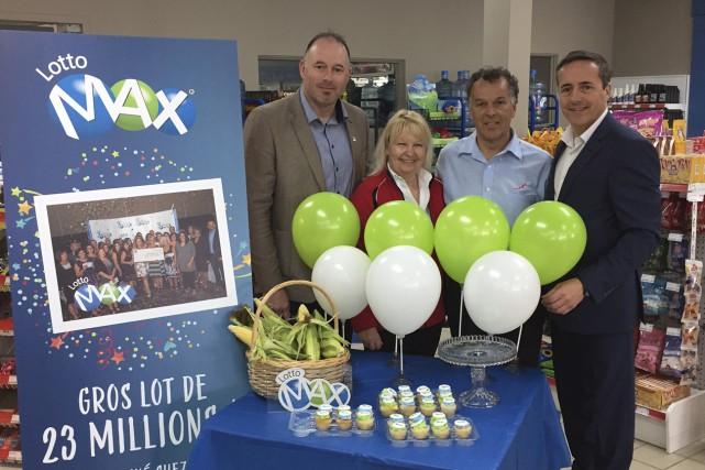 Marc-André Legendre, entrepreneur en commercialisation à Loto-Québec, Guylaine... (Photo courtoisie)