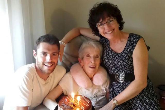 Olivier Bouchard a pris soin de sa grand-mère... (fournie par la famille)
