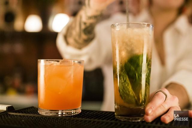 Près de 20 bars fréquentés par une clientèle universitaire et collégiale... (Archives La Presse)