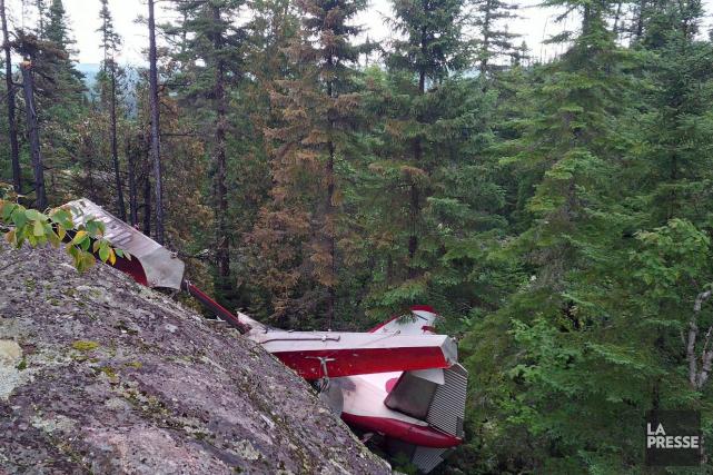 Le Beaver d'Air Saguenay avait été complètement détruit.... (Archives courtoisie, BST)