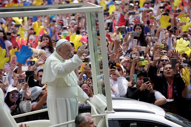 Le souverain pontife, âgé de 80 ans, s'est... (PHOTO REUTERS)