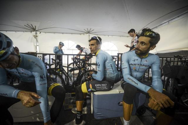 Paolo Tiralongo, Moreno Moser et leurs coéquipiers d'Astana... (fournie par James Startt/GPCQM)